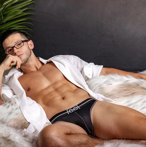 mens sexy thongs